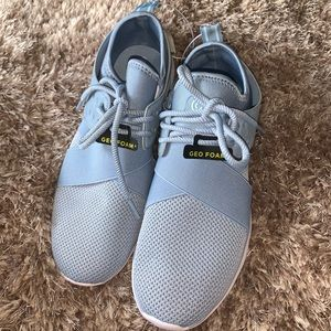 Champion geofoam tennis shoes